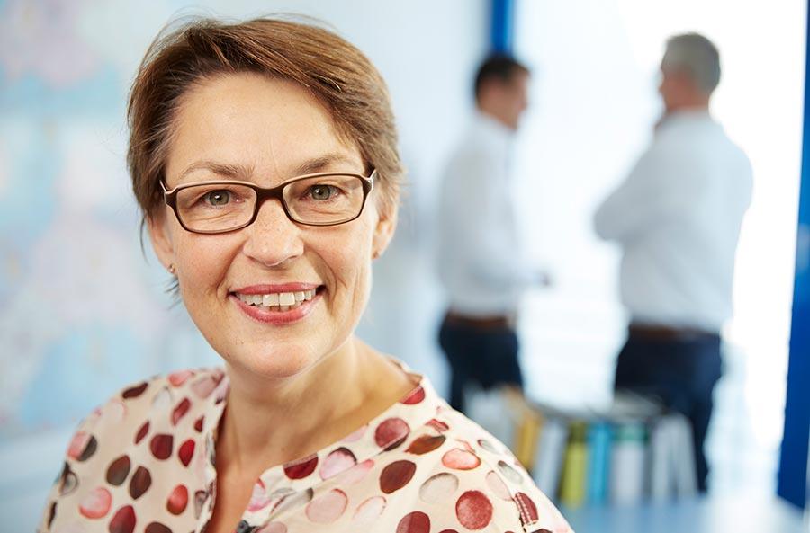 Claudia Geuer (Dipl.-Oecotroph)