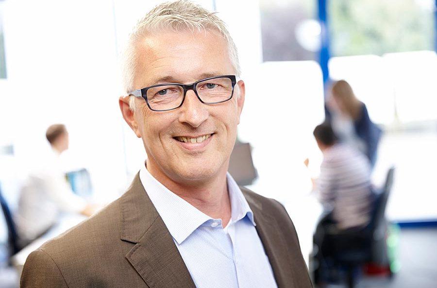 Henning Kischkel, Buchaltung